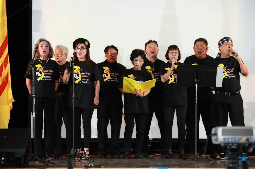 004B-Hop Ca-Tra Lai Cho Dan- Doan Hung Ca